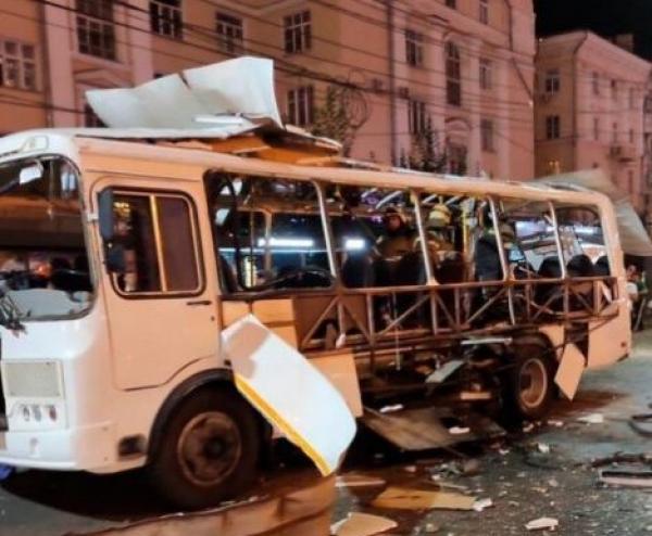В Воронеже взорвался автобус: погибла женщина, много пострадавших