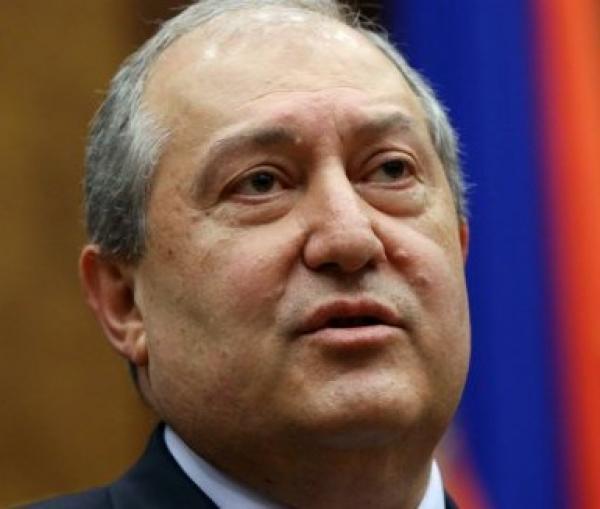 Президент Армении взял под сомнение соглашение по Карабаху